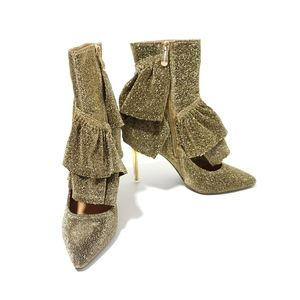 NWB Cape Robbin Beatrix Gold Sparkly Ruffled Boots